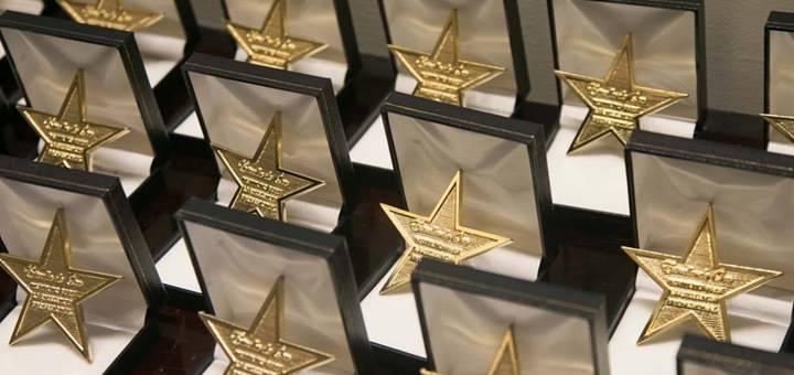 """Grupo Implika recibe el Galardón """"Estrella de Oro"""" como reconocimiento a su compromiso con la excelencia"""
