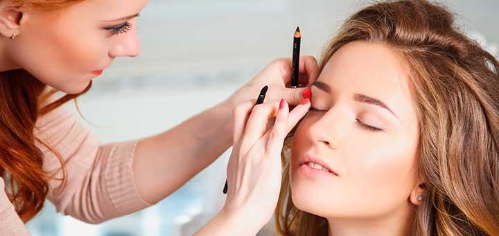 Estudiar maquillaje profesional: ¿qué salidas laborales tiene?