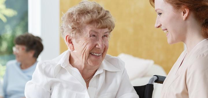 El cuidado de personas mayores, un sector con gran demanda de profesionales cualificados