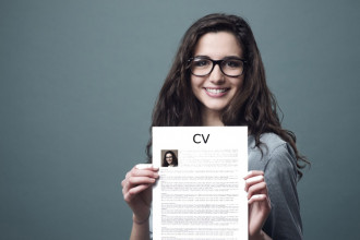 Guía definitiva para crear un CV impresionante (versión para estudiantes recién titulados)