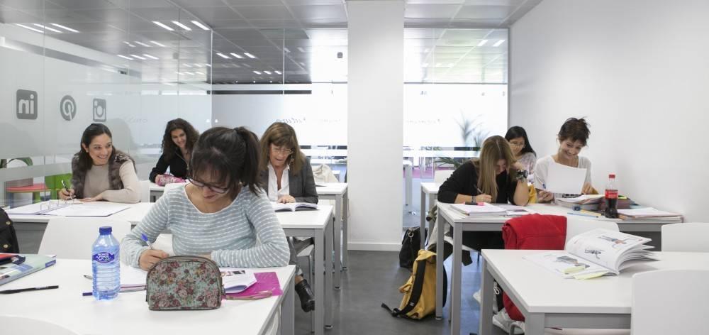 Implika llega a Donostia para impulsar la formación de alta empleabilidad