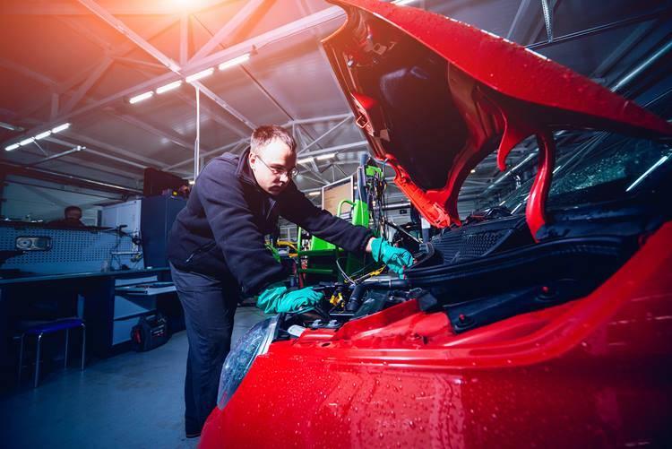 Curso de Mecánica y Electricidad especialista en vehículos híbridos y eléctricos