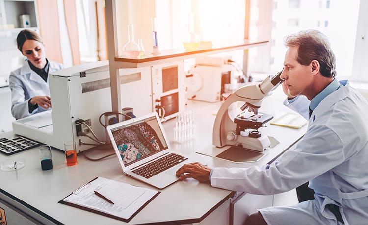 FP Oficial Técnico Superior en Laboratorio Clínico y Biomédico     online
